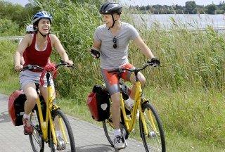 Radfahrer in Tesperhude, © photocompany