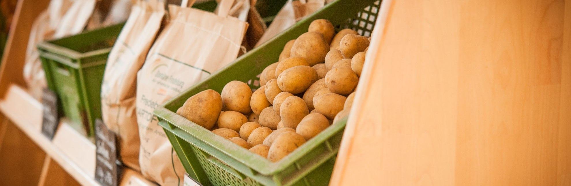 Hofladen mit Kartoffeln aus eigenem Anbau, © Nicole Franke/HLMS