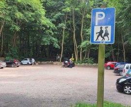 Hinweisschilder am Parkplatz Garrensee, © Kleinhenz_HLMS