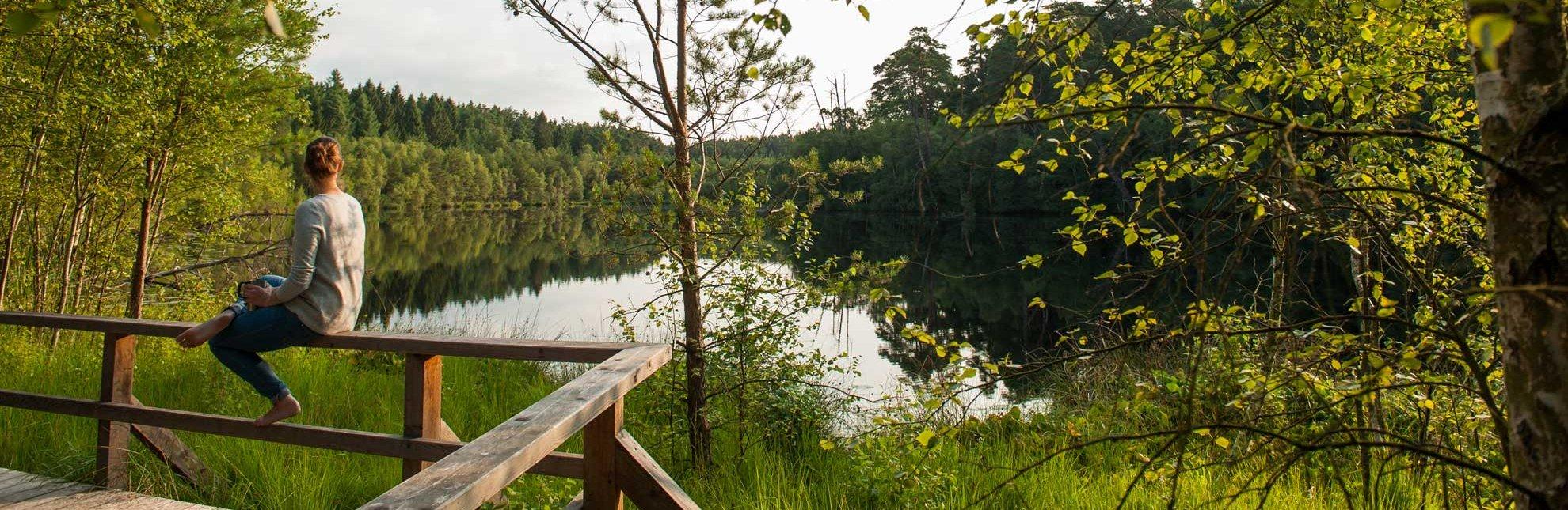 Im schönen Hellbachtal im Naturpark Lauenburgische Seen findet sich auch dieses romantische Fleckchen, der Schwarzsee., © Nicole Franke / HLMS GmbH