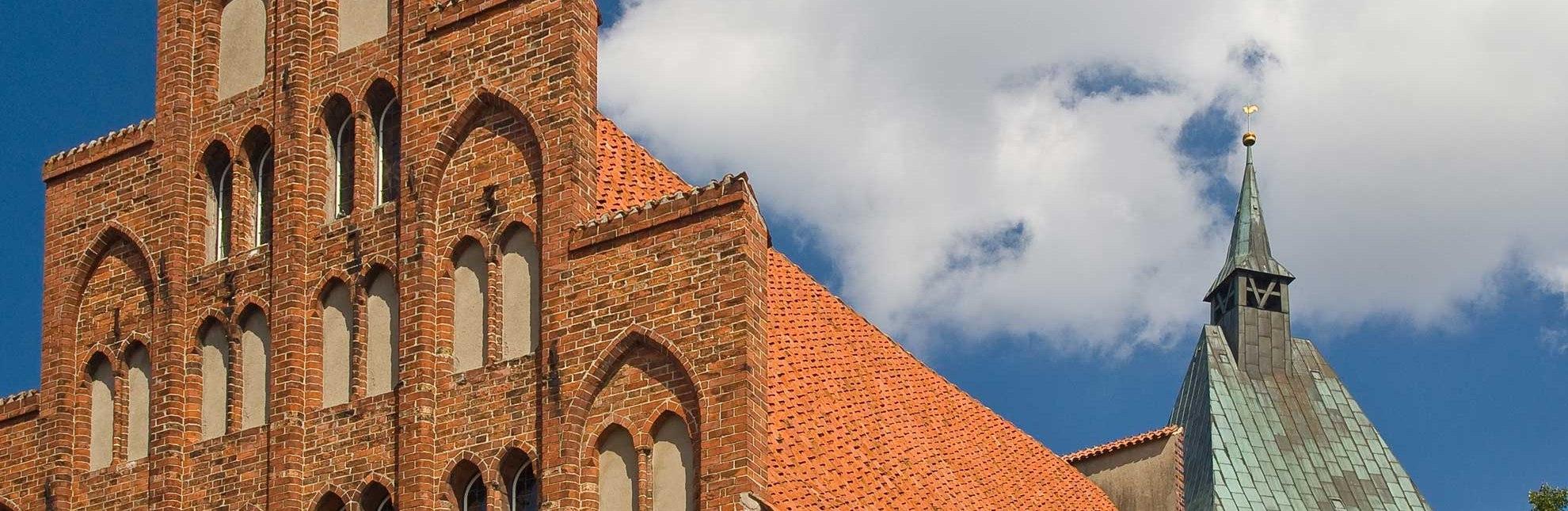 Historisches Rathaus Mölln und St. Nicolai-Kirche, © Ebelt/ Mölln