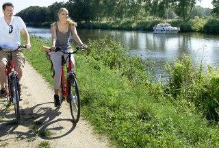Radfahren an der Alten Salzstraße, © photocompany GmbH