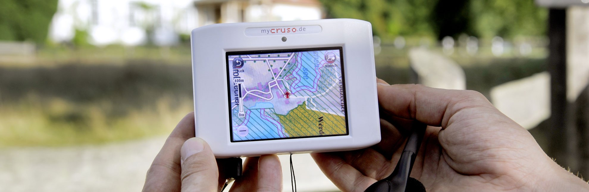 """Der """"Cruso"""" ist ein GPS-gestützten Informationsgerät, das über Fauna und Flora auf der Wegstrecke informiert., © photocompany GmbH / HLMS GmbH"""