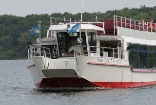 Mit dem Ausflugsschiff über die Ratzeburger Seen. Auch eine Umrundung der Stadtinsel ist möglich., © Carina Jahnke / HLMS GmbH