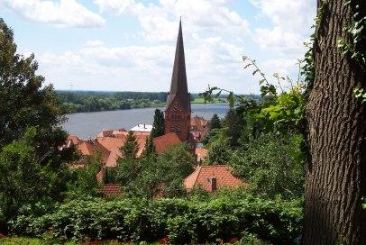 Blick auf die Maria-Magdalenen-Kirche in Lauenburg/Elbe