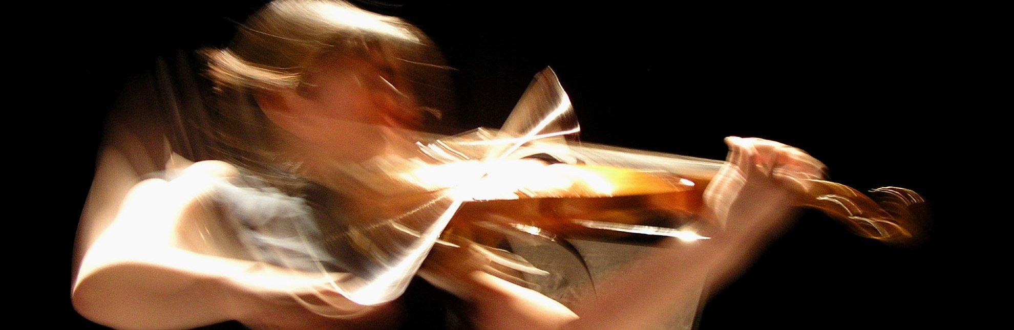 Konzertveranstaltung im Kleinen Theater Schillerstrasse in Geesthacht, © Gregor Bator