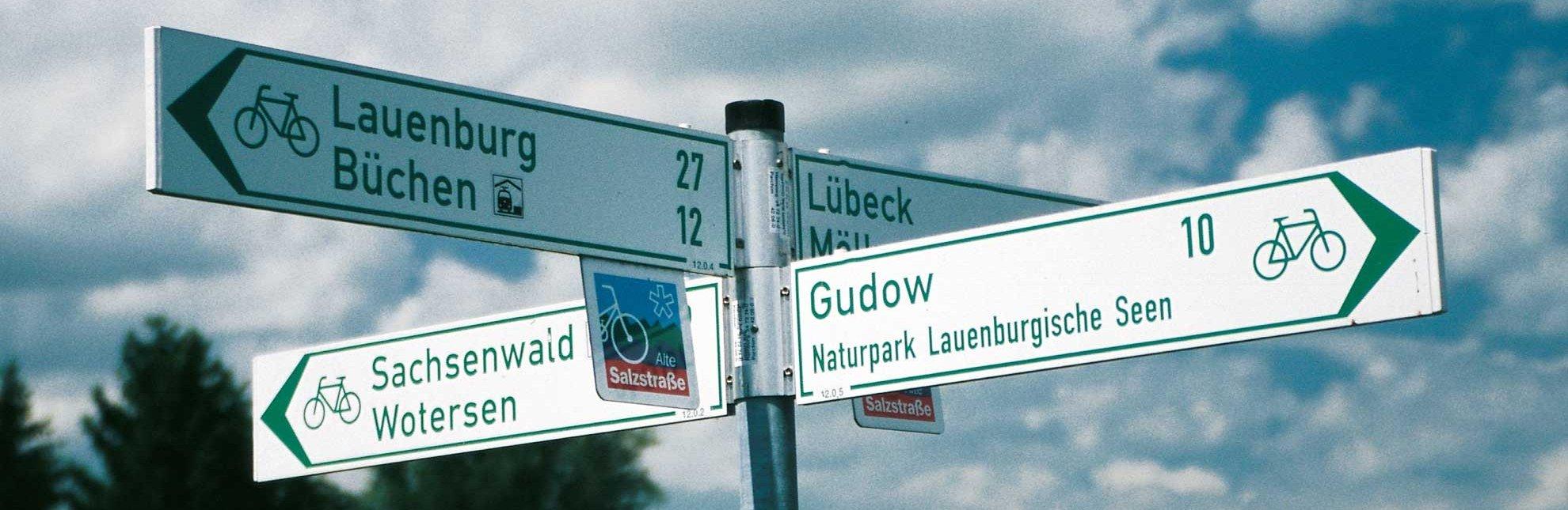 Radwegweiser in Büchen, © Mersiowski/HLMS
