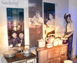 Die Ausstellung des Lauenburger Elbschifffahrtsmuseums stellt die Menschen in den Mittelpunkt, die von uns mit der Elbschifffahrt lebten., © Christin Kiepke / HLMS GmbH