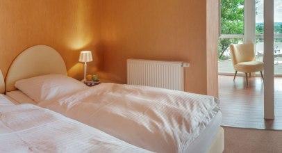 Zimmer mit Elbblick im Hotel Bellevue in Lauenburg., © Jelena Filipinski/Hotel Bellevue