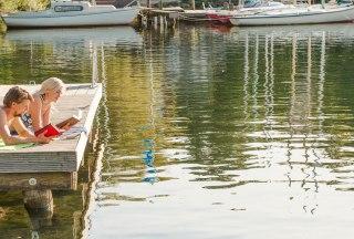 Vom Steg aus lässt sich das Treiben auf dem Ratzeburger See perfekt beobachten., © Nicole Franke / HLMS GmbH