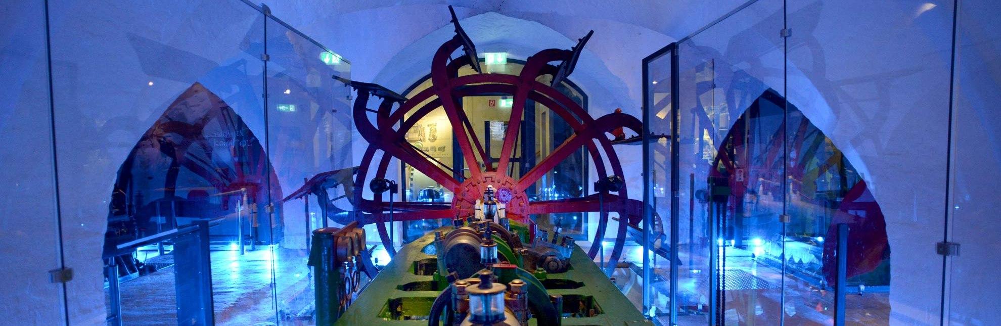 Das Elbschifffahrtsmuseum in Lauenburg/Elbe präsentiert alte Schiffsantriebe., © Uwe Franzen / Tourist-Information Lauenburg
