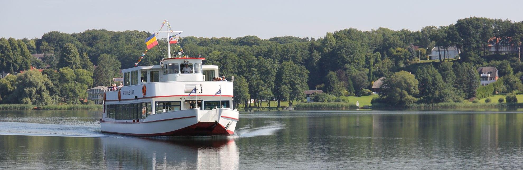"""Mit """"Heinrich dem Löwen"""" die Seen rund um Ratzeburg entdecken., © Carina Jahnke / HLMS GmbH"""