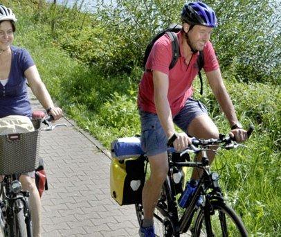 Radweg bei Lauenburg, © photocompany/ HLMS