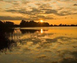 Goldener Sonnenuntergang am Mechower See., © Thomas Ebelt / HLMS GmbH