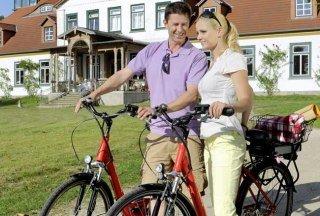 Alleen- und Herrenhäuser per Rad, © photocompany/ HLMS