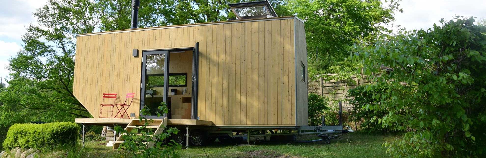 Auf der kleinen Terrasse lässt es sich wunderbar verweilen., © HLMS GmbH