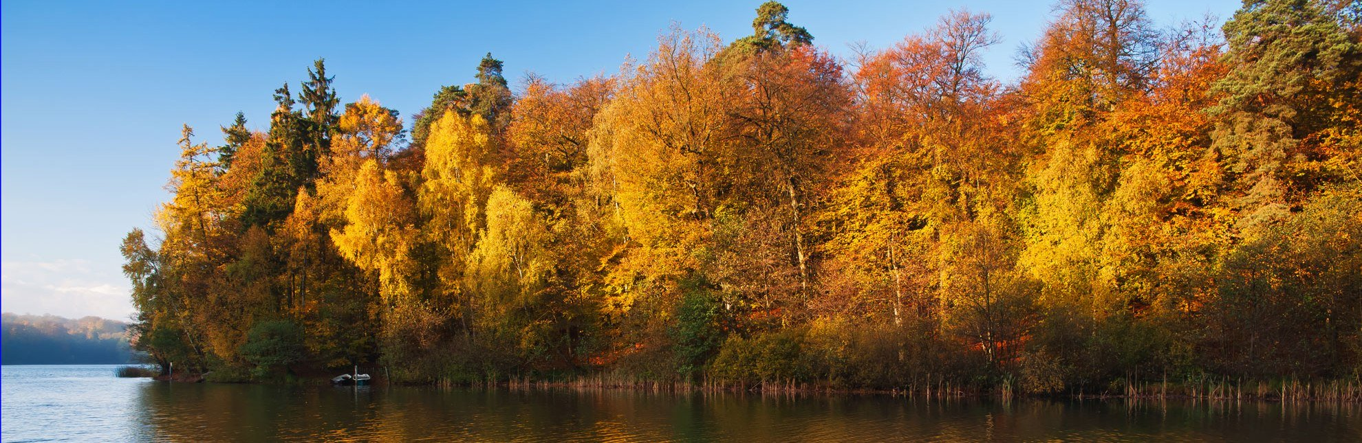 Herbstsee, © Thomas Ebelt / HLMS GmbH