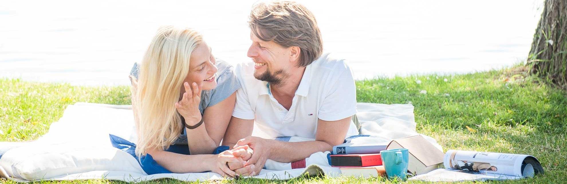 Paar am See, © Nicole Franke/ HLMS
