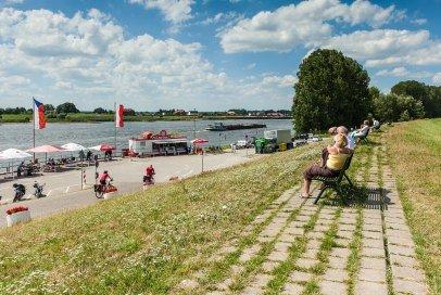 Der Fähranleger am Zollenspieker Fährhaus ist im Sommer ein beliebtes Ziel für Ausflügler, © Markus Tiemann