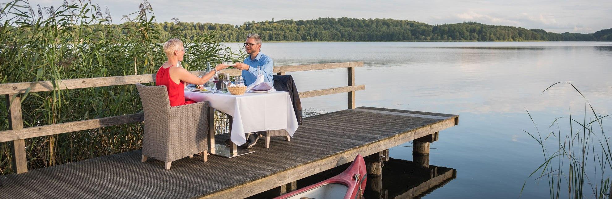 Dinner am See im Hotel und Restaurant Der Seehof in Ratzeburg, © markus Tiemann/HLMS