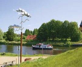 Der Kornbrennerweg führt zunächst am Ufer des Elbe-Lübeck-Kanals entlang., © Tourist-Service Stecknitz-Region