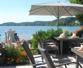 Ausblick auf den Küchensee von der wunderschönen Terrasse des Hotels Der Seehof., © Hotel Der Seehof